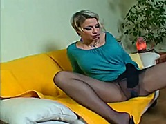 Milf in pantyhose uses...