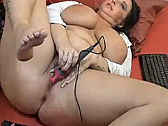Big ass girl fucks pussy from Xhamster
