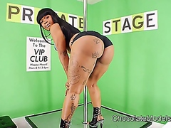 Vporn - Big Booty Diamond Monr...