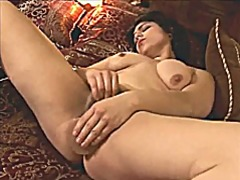 Latina milf toying hai...