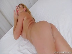 Blonde tgirl julie ber...