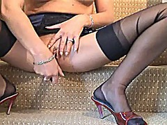 Maid becky in black ff... from Xhamster