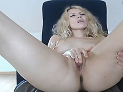 Cumming the lovely pussy from Tube8