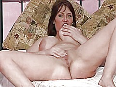 British milf wank for me from Xhamster