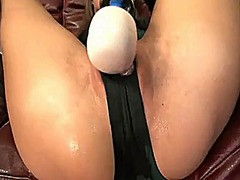 Brunette wet masturbation