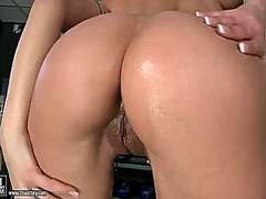 Brunette cindy hope to... from Wetplace