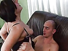 Hairy pussy mom mastur... from Xhamster