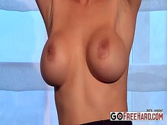 Blonde babe gets rid o...