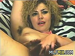 Very hairy milf mastur...