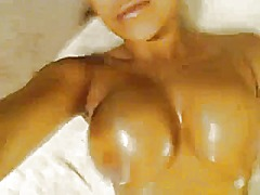 Briana lee oils up tha... from Xhamster