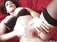 Milf masturbates to he... from Xhamster