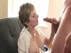 Mature goddess gets aw... from Xhamster