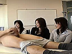 3 japanese women watch... from Xhamster