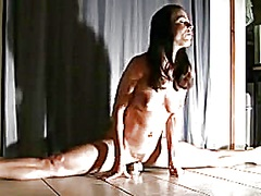 Super fit gymnast enjo... from Private Home Clips