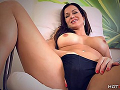 Brunette milf stacy si...