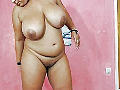 Busty bbw shows her bo... from Xhamster