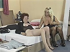 Mature women use toy &...