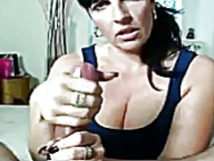 Mature bitch gives slo... from Xhamster