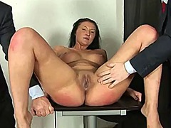 Brunette slut gets dil...
