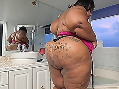 BBW Superstar XXX - Mi...