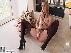 Blonde blue angel is h... from Updatetube