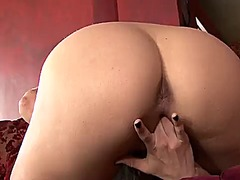 Georgia jones plays wi...