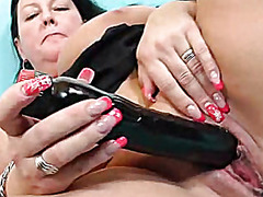 H2porn - Horny housewife pleasi...