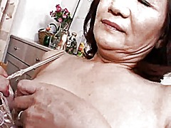 Masturbating japonese from Xhamster