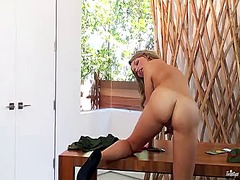 Mia malkova is horny a... from PinkRod