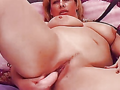 Blond milf plays on cam