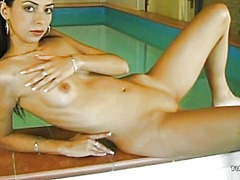 Hot babe has some solo... from Tube8
