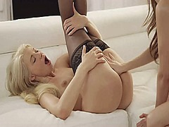 Sexy lesbians from Xhamster