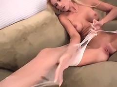 Blonde amateur cutie r... from Tube8
