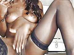 Black lady fucks her p... from Xhamster