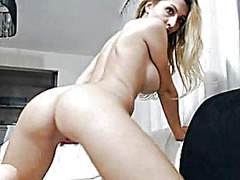 Blonde euro women play... from Xhamster