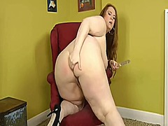 Yummy brunette bbw toying from Xhamster