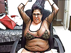 Mature milf with massi... from Xhamster