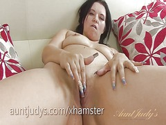 Mature louise bassett ... from Xhamster