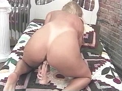 Horny older blonde fin... from Xhamster