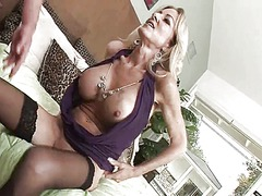 Cougar in stockings wa... from Xhamster