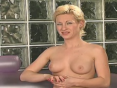 Hot blonde uses vibrat... from Xhamster