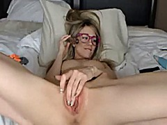 Blonde fucks pussy wit... from Xhamster