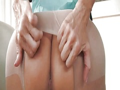 Sexy mature in pantyhose from Xhamster