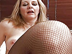 Sexy milf playing with... from Xhamster