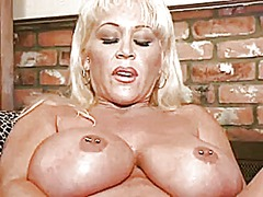 Big tittied blonde mil...