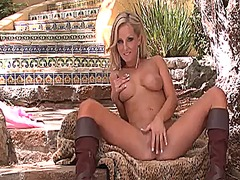 Updatetube - Incredibly hot hussy h...