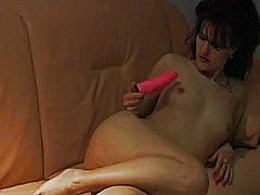 Girl masturbate while ... from Tube8