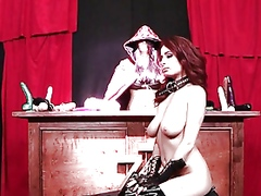 Squirting latex redhea...