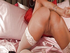 Wet pussy in white sto... from Xhamster