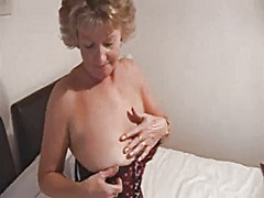 Sue, sexy and hairy from Xhamster